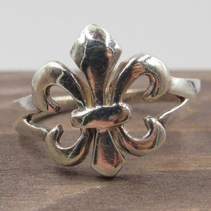 Size 9.5 Sterling Silver French Royal Symbol Band